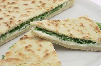 Receta de pan teja (Torta al testo)