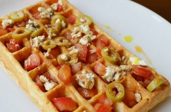 Receta de waffles a la italiana con aceitunas